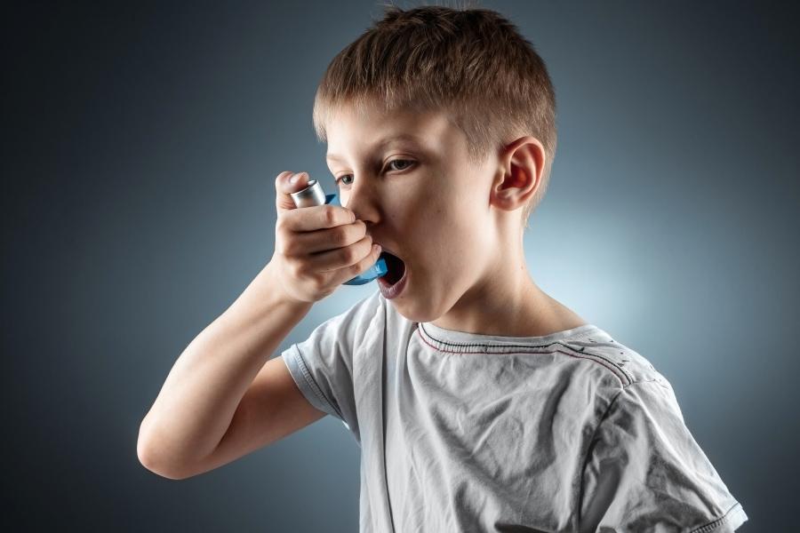 Asztmás kisfiú